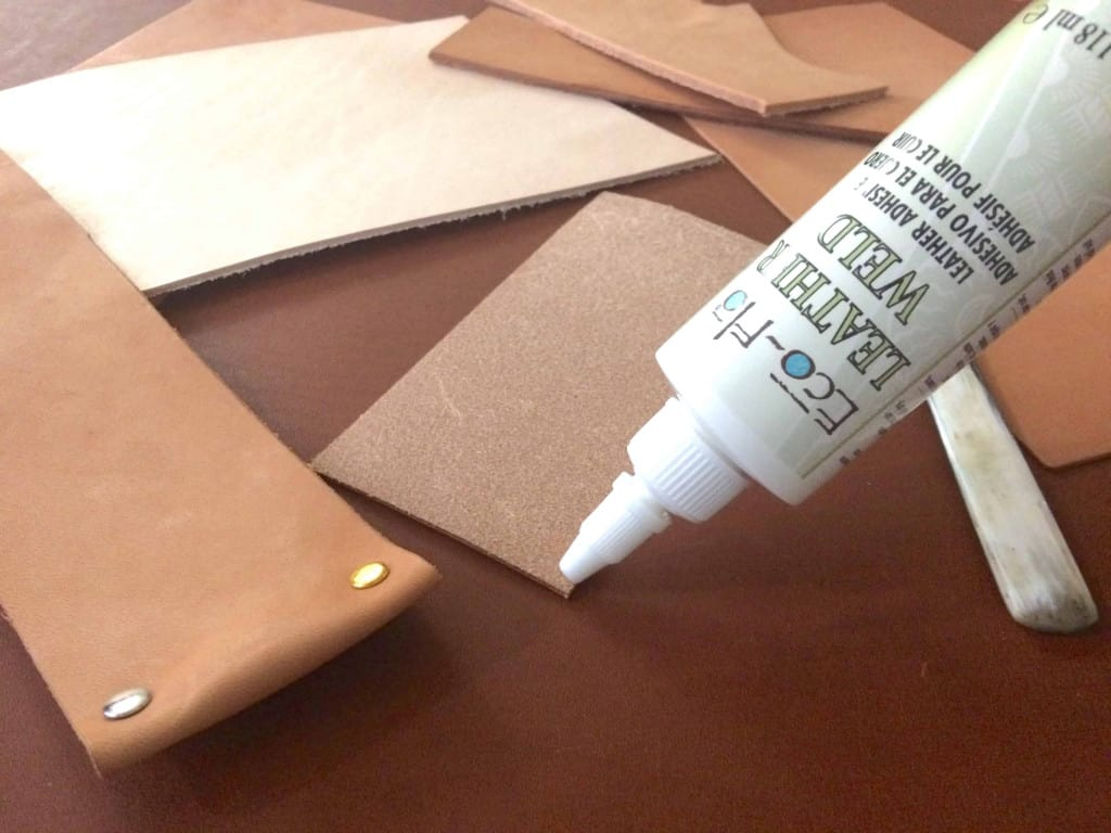 Applying Tandy Eco Flo Leather Weld Glue Adhesive - Liberty Leather Goods