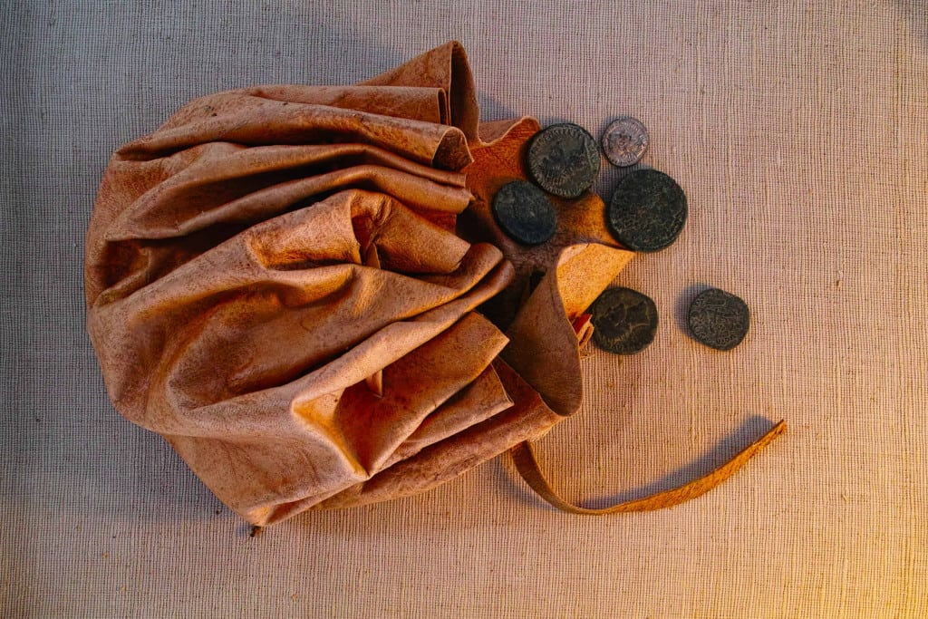 Leather Coin Pouch with Coins - Liberty Leather Goods