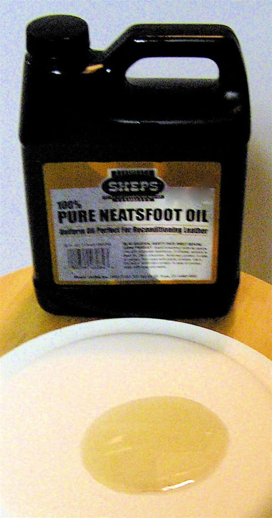Neatsfoot Oil - Leather Oil - Liberty Leather Goods